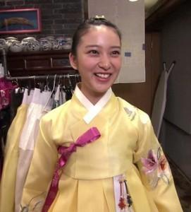 emizainichi 271x300 武井咲の元ヤンキー説よりも在日韓国人疑惑が話題沸騰?性格がきっつい?