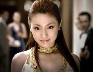 hukadakyouko 300x232 桐谷健太の演技力がヤバい!気になる熱愛彼女は?歌が上手いと評判?