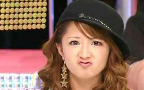hennakuchi2 500x313 能年玲奈、トリンドル玲奈のカッパ口が流行へ!アヒル口は古い!