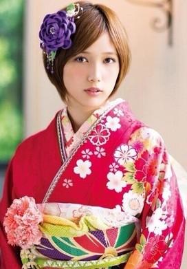 hondatubasa 成人式の髪飾りは生花で振袖は母の振袖が2014年トレンド!