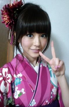 kiritani 成人式の髪飾りは生花で振袖は母の振袖が2014年トレンド!