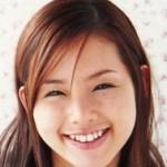 konisi 150x150 【小顔裏技】安室奈美恵のかっさマッサージの方法と効果は?姿勢も大事!