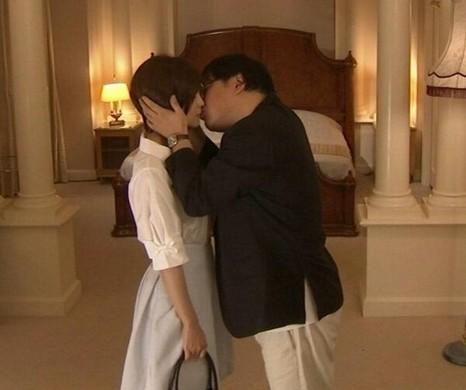 2014 01 20 165241 向井理が結婚する相手・国仲涼子とディープキスするカンニング竹山w