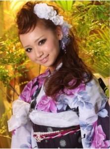 mohikannn 222x300 【2014成人式】女子のモヒカン風ヘアースタイルで和風美人に!