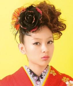 rize3 254x300 【2014成人式】女子のモヒカン風ヘアースタイルで和風美人に!